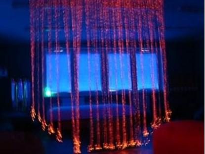 Bild von Kurtyna światłowodów - narzędzie terapii zmysłów