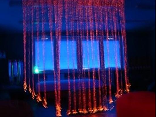 Изображение Kurtyna światłowodów - narzędzie terapii zmysłów