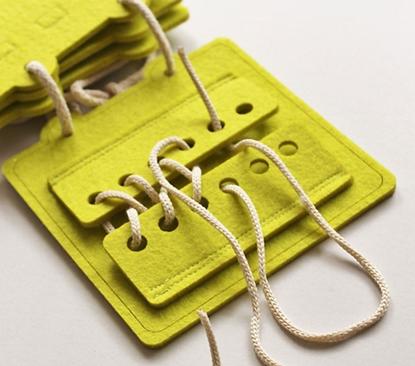 Obrazek Zapinanka - nauka wiązania sznurówek, zapinania guzików