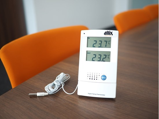 Picture of Talking in/out door thermometer